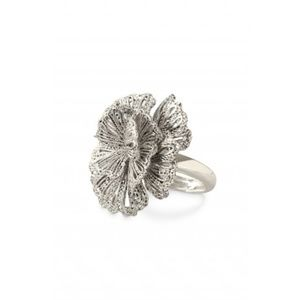 Stella & Dot Geneva Lace Vintage Flower Ring